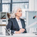 פיצוי בגובה 6 משכורות לעובדת מבוגרת שפוטרה