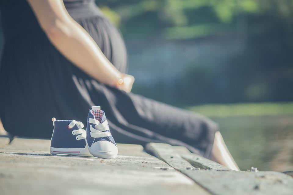 פיטורי עובדת חדשה בהיריון