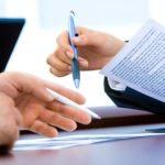פסיקה: מעסיק אינו רשאי להתנות תשלום כספים שאינם שנויים במחלוקת בחתימת עובד על כתב ויתור