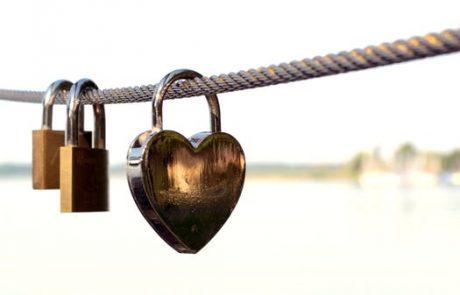 עבודה של למעלה מ-55 שעות בשבוע מעלה ב-40% את הסיכון לבעיות לב