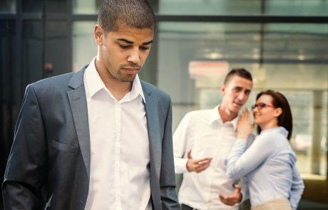 פיצוי על עוגמת נפש לעובד שמכתב התפטרותו נתלה על לוח המודעות