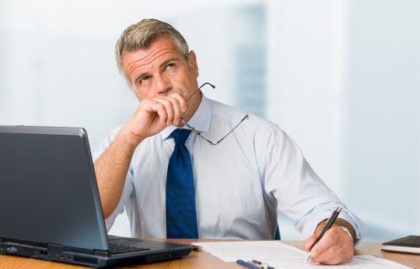 המשיך להעסיק עובד שהגיע לגיל פרישה חובה, וספג תביעה